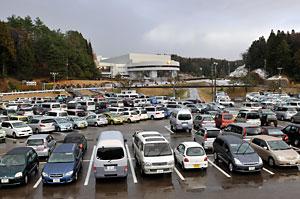 親鸞会の駐車場