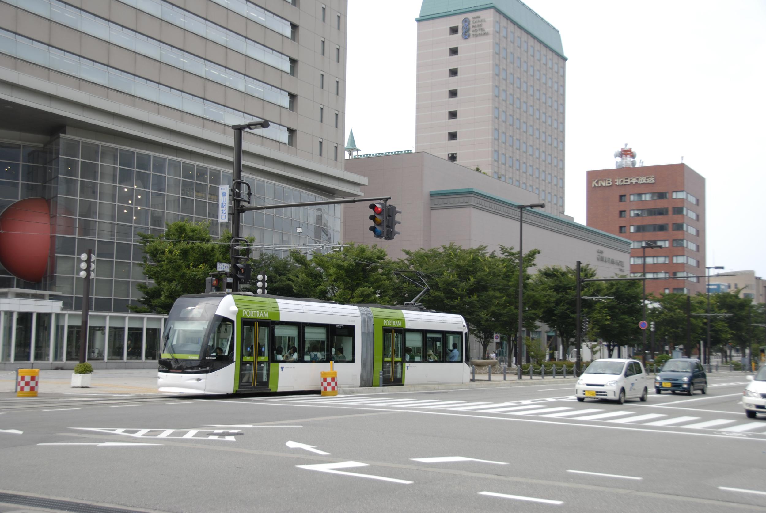 高解像度フリー写真集 富山市路面電車・富山城